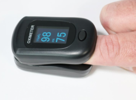 Creative PC-60B1 Finger Pulse Oximeter, Black, With Carry Case